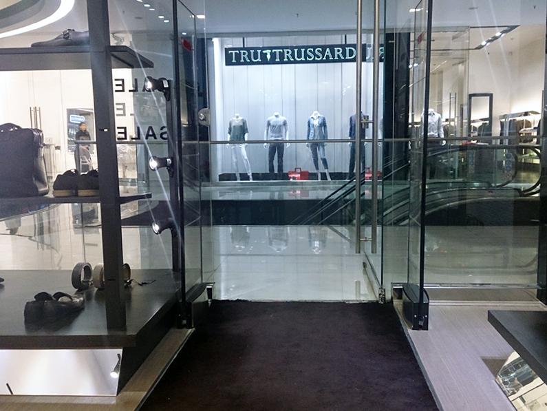 فروشگاه Feratelli Rosseti – شعبه سام سنتر